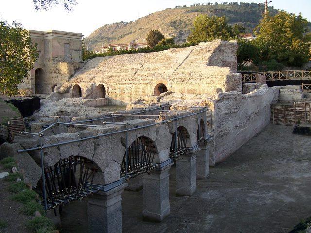 stadio romano di Antonino Pio Pozzuoli 1