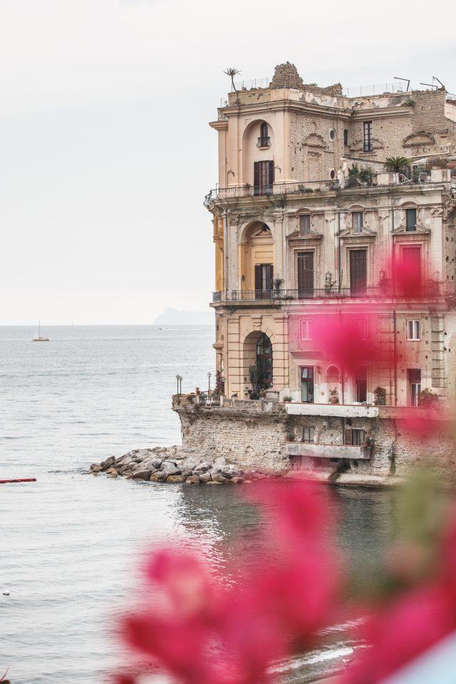 Palazzo Donn'Anna di Donna Anna Carafa