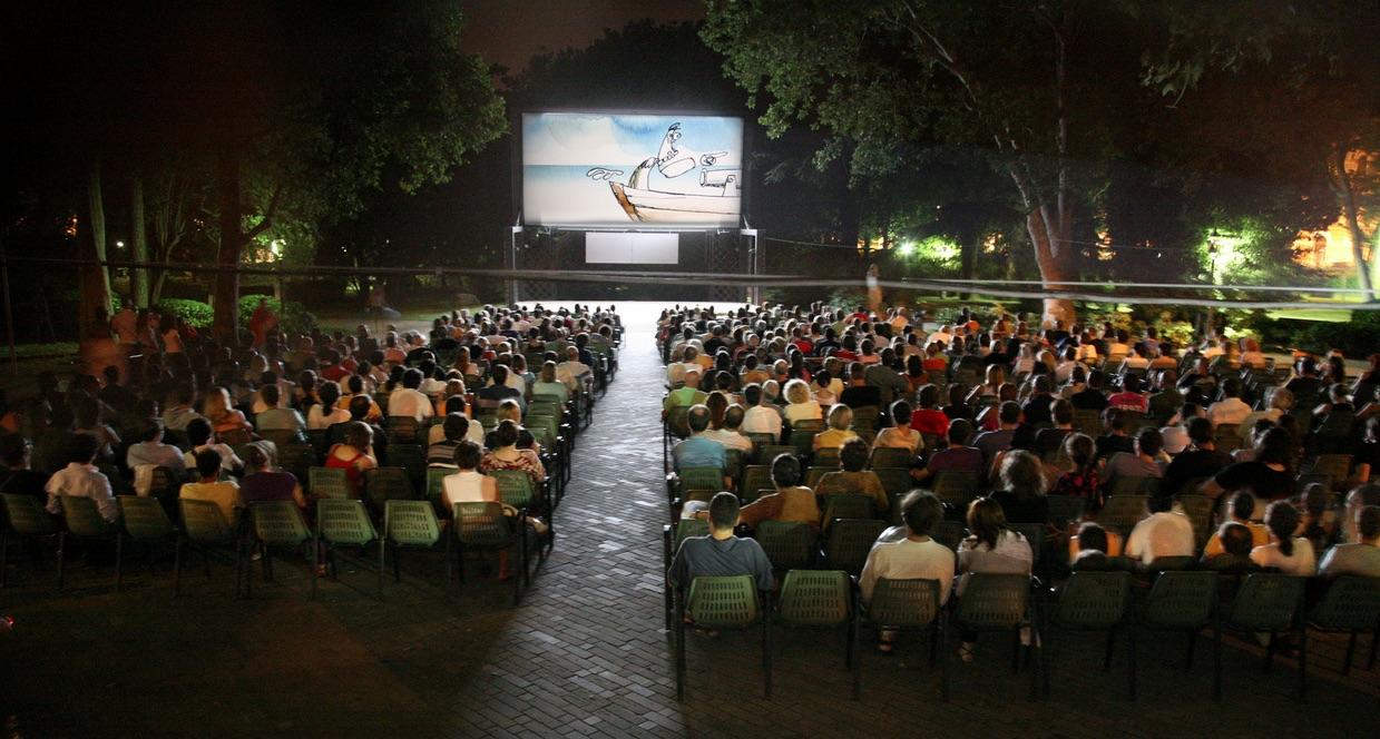 Open Air Cinema 2020 à Naples: films du 17 au 23 août 2020  - Championnat d'Europe de Football 2020