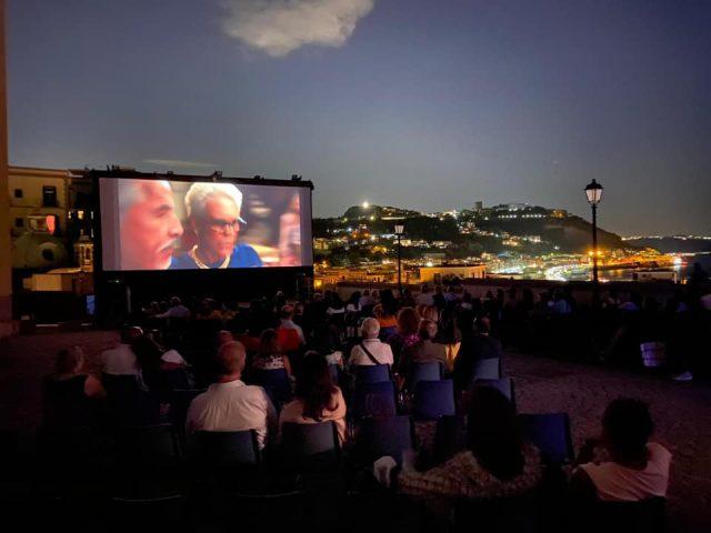 cinema sotto le stelle rione terra