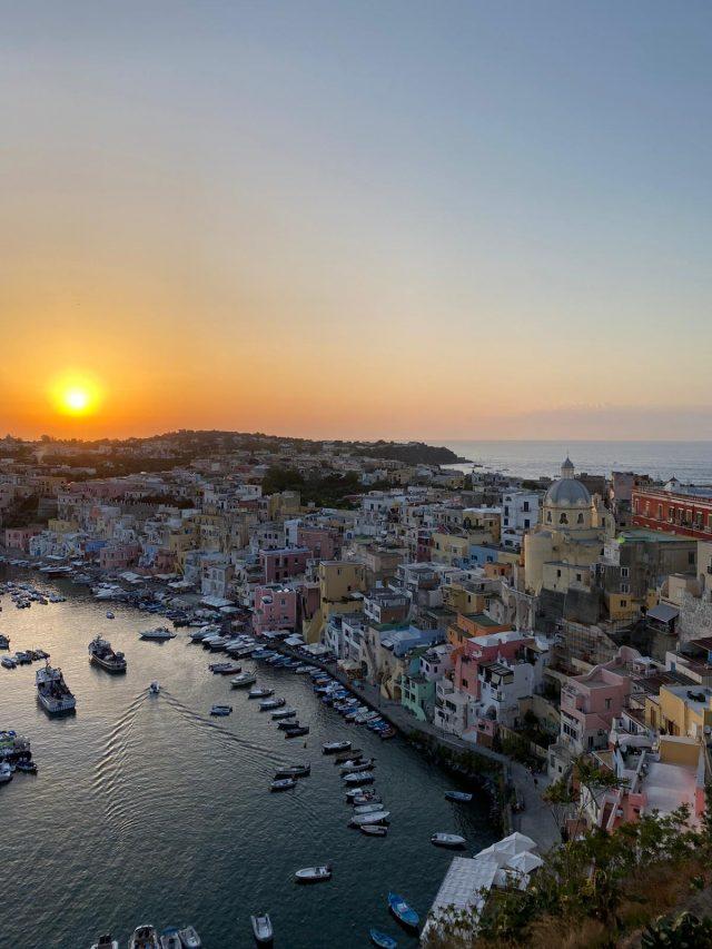 procida tramonto Napoli da Vivere
