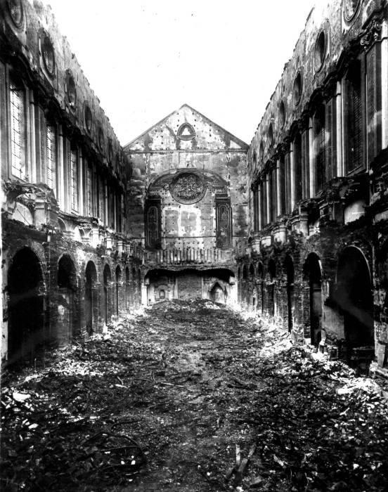 Napoli Santa Chiara bombardata