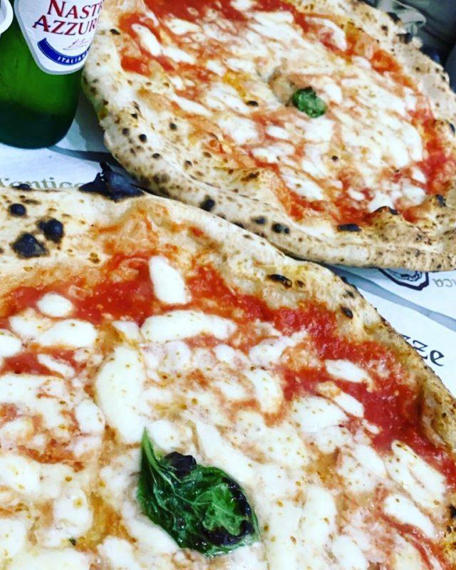 Ricetta Pizza Napoletana Da Michele.L Antica Pizzeria Da Michele Apre Una Nuova Sede A Palermo Napoli Da Vivere