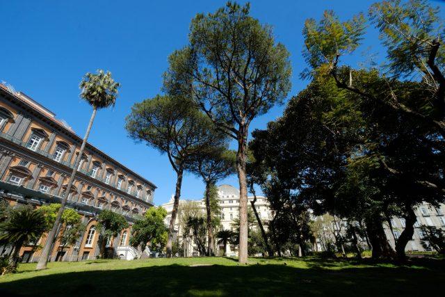 giardini palazzo reale napoli