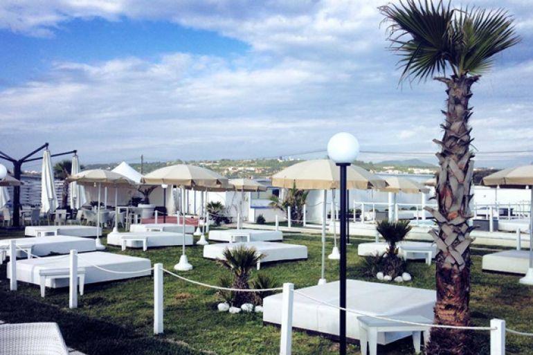 1°-maggio-Mercatino-Hipster-in-spiaggia-con-musica-e-relax.jpg