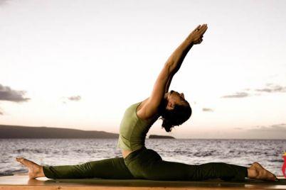 4-Lezioni-di-Yoga-gratis-in-Piazza-Municipio-a-Napoli.jpg
