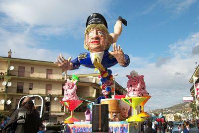 5-Sfilate-di-Carnevale-2016-da-non-perdere-in-Campania.jpg