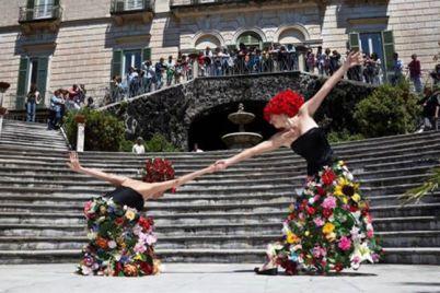 A-piedi-nudi-nel-parco-Festival-Gratuito-di-Danza-in-Villa-Floridiana-a-Napoli.jpg