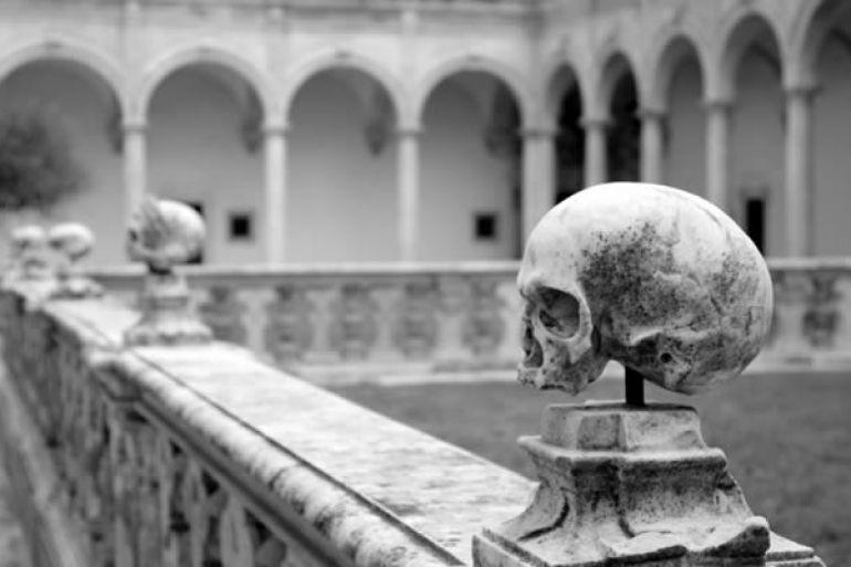 Alla-scoperta-di-una-Napoli-misteriosa-Magia-e-Fantasmi-napoletani1.jpg