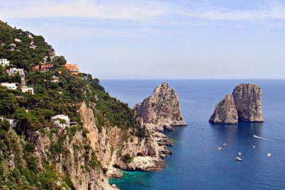 Capri-e-Ischia-sono-le-Isole-più-belle-d'Italia-secondo-TripAdvisor.jpg