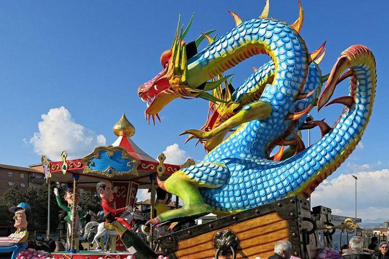 Carnevale di Lariano, tanta partecipazione alla prima uscita dei carri allegorici