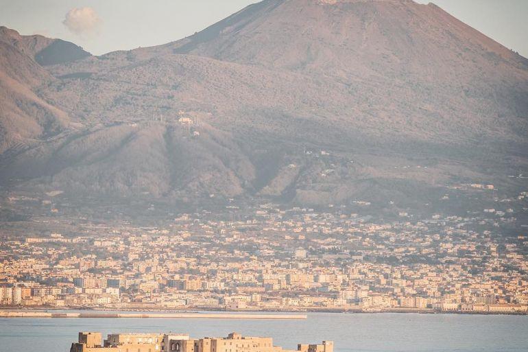 Castel-dell-ovo-Napoli.jpeg