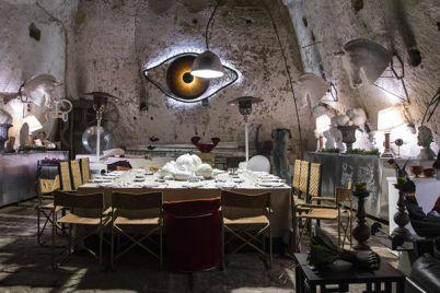 Cena-Esclusiva-in-una-Grotta-darte-con-lartista-Michele-Iodice.jpg