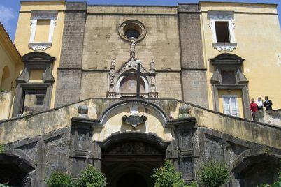 Chiesa-di-S.-Giovanni-a-Carbonara.jpg