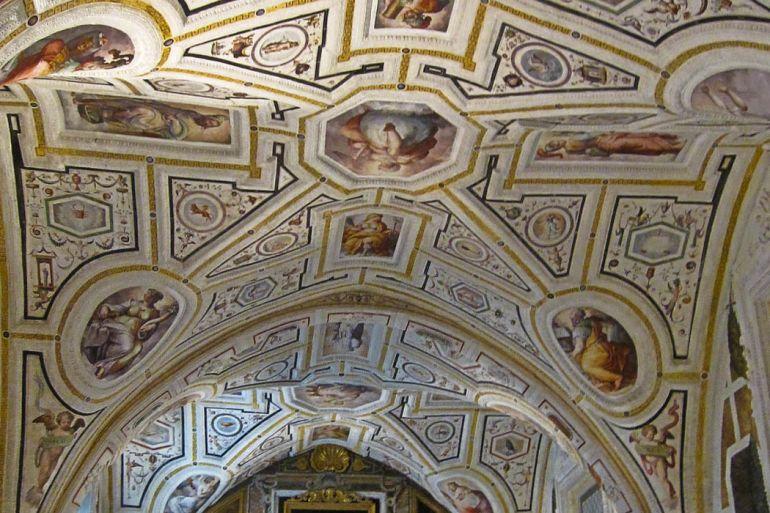 Chiesa_di_SantAnna_dei_Lombardi.jpg