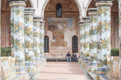 Chiostro-di-Santa-Chiara-Napoli.jpg