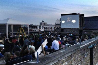 Cinema-sulla-Terrazza-dell'Asilo-Filangieri-nel-centro-storico-di-Napoli.jpg