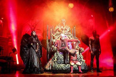 Circo-de-los-Horrores-con-Cabaret-Maldito-alla-Mostra-dOltremare-di-Napoli.jpg