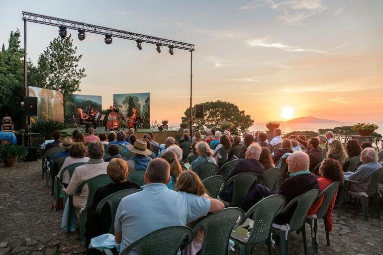 Concerti-al-Tramonto-a-Villa-San-Michele-a-Anacapri.jpg