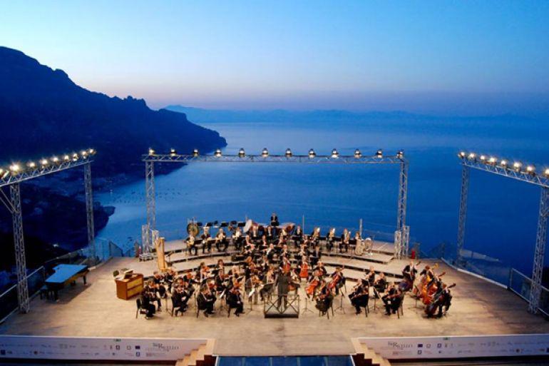 Concerto-all'Alba-a-Villa-Rufolo-a-Ravello.jpg