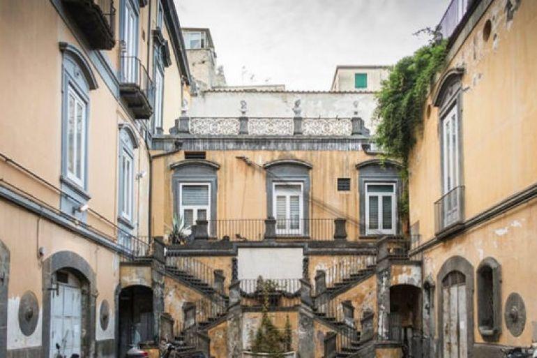 Cortili-Aperti-passeggiate-gratis-nei-Cortili-e-Giardini-dei-palazzi-storici-di-Napoli.jpg