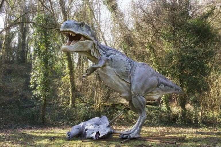 Dinosauri-in-Carne-e-Ossa-2018-a-Napoli.jpg
