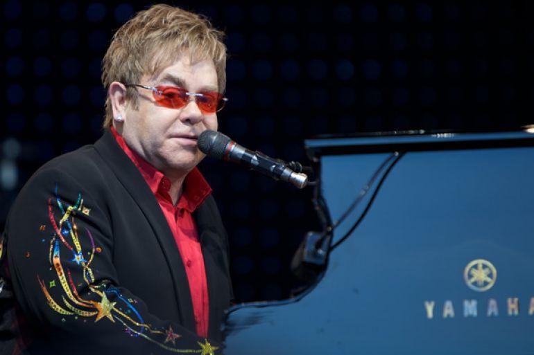 Elton-John-in-concerto-al-Teatro-degli-Scavi-di-Pompei.jpg