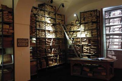 Fantasmi-della-Vicaria-visita-teatralizzata-all'Archivio-Storico-del-Banco-di-Napoli.jpg