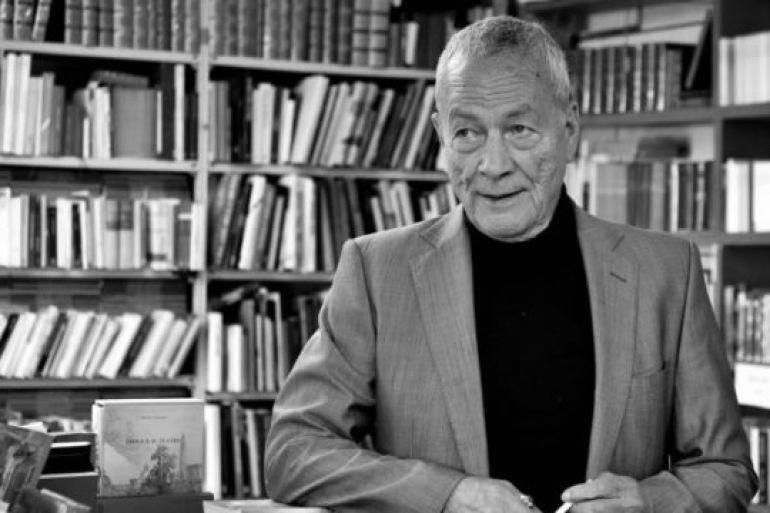 Festa-e-libri-gratis-a-Piazza-Dante-per-gli-80-anni-dell'editore-Pironti.jpg