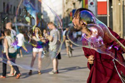 Festival-degli-Artisti-di-Strada-nel-Centro-storico-di-Napoli.jpg