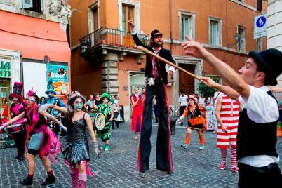 Festival-degli-Artisti-di-strada-al-Borgo-di-Casertavecchia.jpg