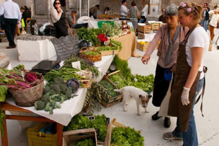 Food-Market-e-Brunch-nel-Chiostro-di-Santa-Caterina-a-Formiello.jpg