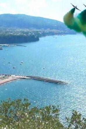 Frecce Tricolori sui Cieli di Sorrento e del Golfo di Napoli