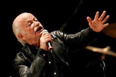 Gino-Paoli-in-un-concerto-di-Beneficenza-al-Teatro-di-San-Carlo-di-Napoli.jpg