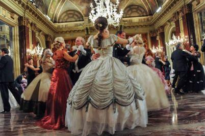 Gran-ballo-Borbonico-alla-Reggia-di-Caserta.jpg
