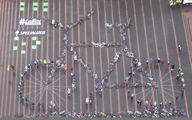 Guinness-world-record-per-l'apertura-del-Napoli-bike-festival.jpg