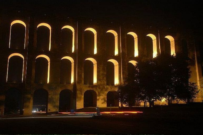 Illuminazione-notturna-per-lAcquedotto-Carolino.jpg