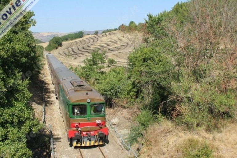 In-Treno-Storico-a-Pietralcina-sulle-orme-di-San-Pio.jpg