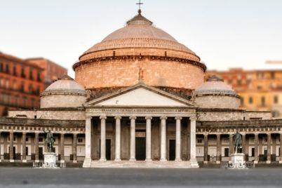 Inaugurazione-Piano-City-Napoli-2015-21-pianoforti-a-Piazza-del-Plebiscito.jpg