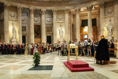 La-Giostra-dei-Sedili-a-Piazza-Plebiscito-rievocazione-storica-in-costume-a-Napoli.jpg