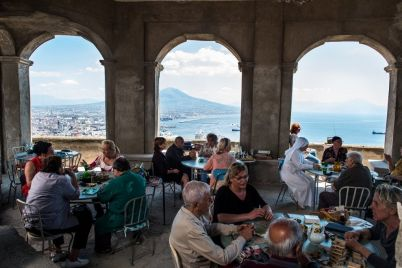 La-Napoli-velata-di-Ferzan-Ozpetek-al-cinema.jpg
