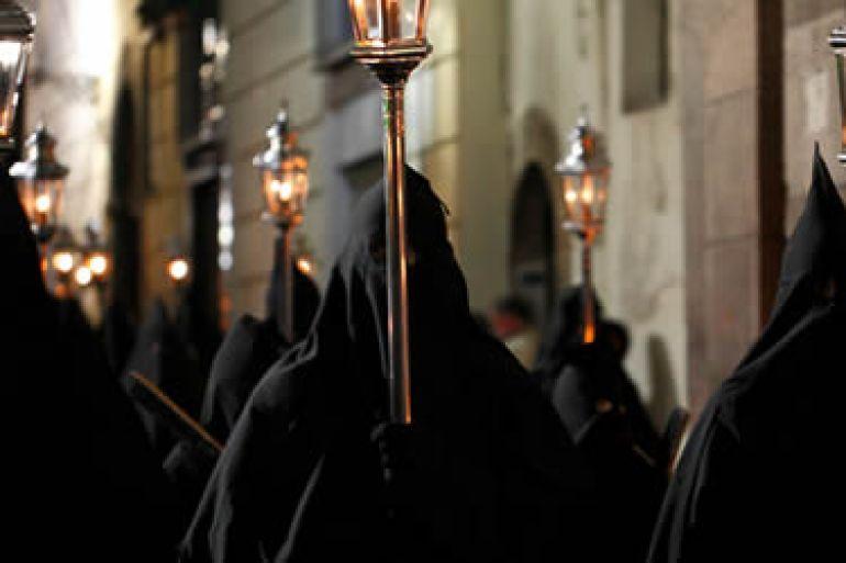 La-Processione-Nera-o-del-Cristo-Morto-.jpg