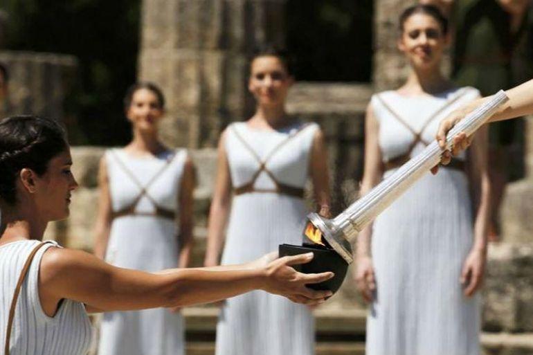 Lampadoforia-a-Napoli-giochi-in-costume-alla-scoperta-della-Magna-Grecia.jpg
