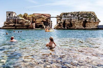 Le-8-Spiagge-più-belle-di-Napoli-.jpg