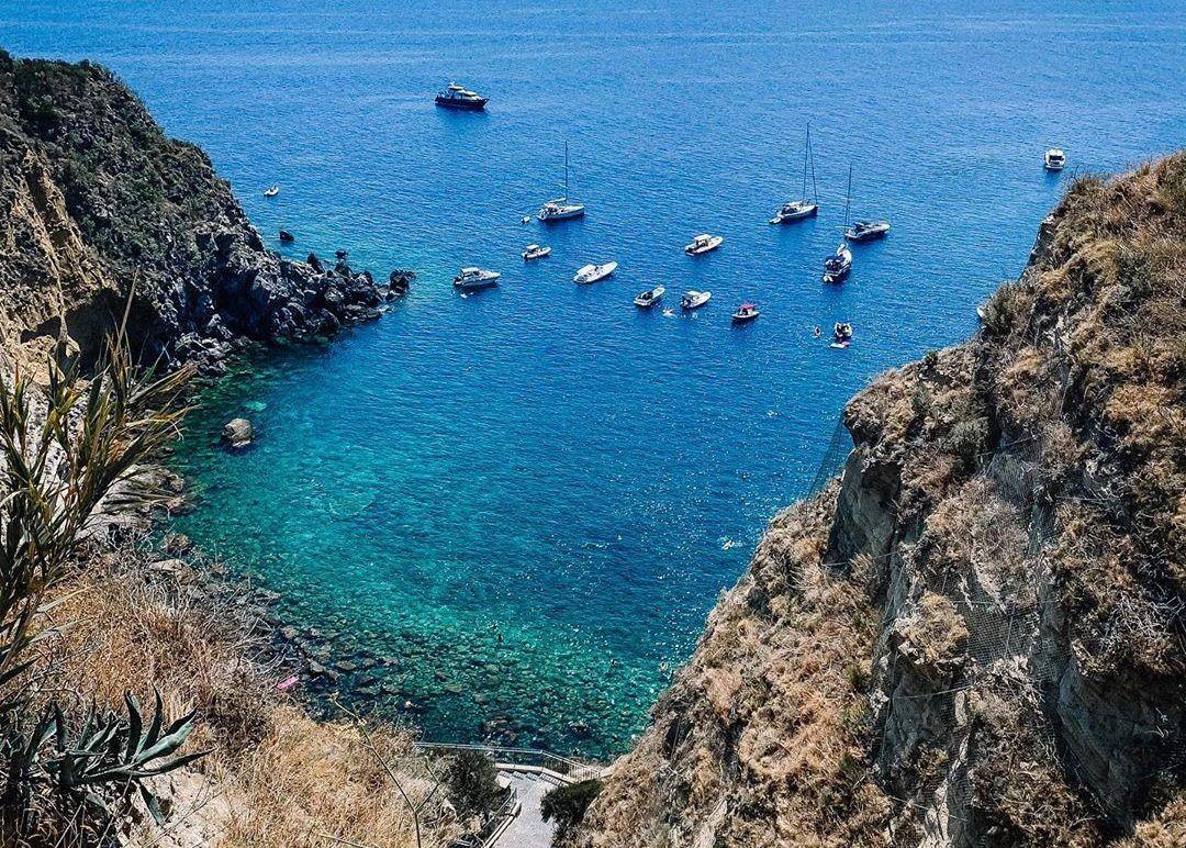 Le-spiagge-più-belle-dIschia-e1596272019841.jpg