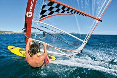 Lezioni-di-Windsurf-e-Kitesurf-nel-golfo-di-Napoli-2.jpg