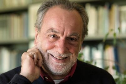 Luca-De-Filippo-un-pastore-a-San-Gregorio-Armeno-e-le-commedie-sulla-Rai.jpg