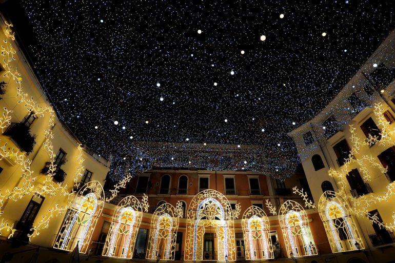 Quando Mettono Le Luci Di Natale A Parigi.Luci D Artista Al Rione Sanita Natale 2018 A Napoli Napoli Da Vivere