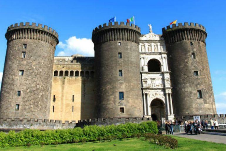 MAST-Maschio-Angioino-Smart-Tour-realtà-virtuale-per-i-luoghi-del-castello.jpg