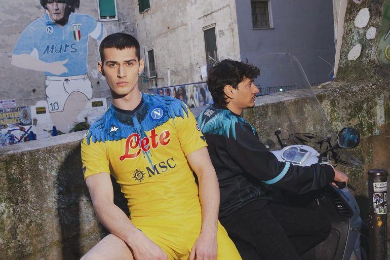 La nuova maglia del Napoli disegnata dallo stilista italo ...